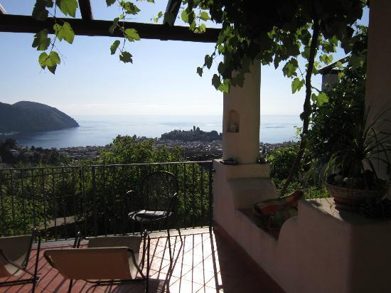 فيلا هيرميس كايس فاكانزا: Il terrazzo per il relax