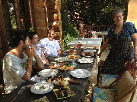 Aluma Bakfar Galilee Inn: with Alfa