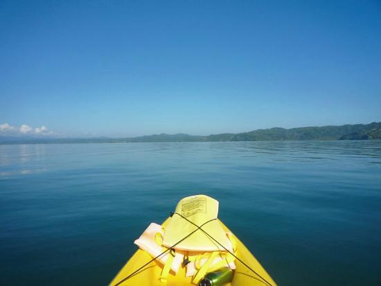 Saladero Eco Lodge: Kayaking in front of Saladero Lodge