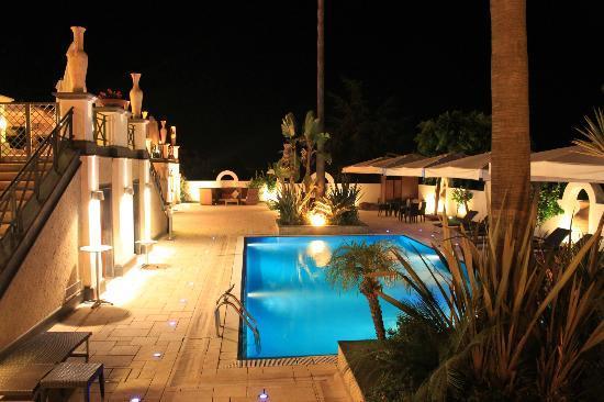 Palazzo Rosenthal: pool area