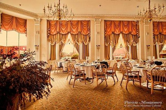 La' Marie's: Our Magnolia Room