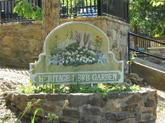 Ozark Folk Center State Park: Heritage herb garden