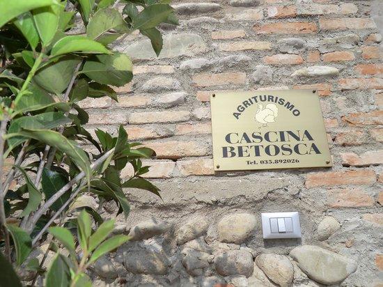 Cologno al Serio, Italien: Benvenuti ad Agriturismo Cascina Betosca