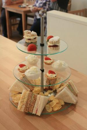 Thistles Coffee Shop & Catering: My favourite - afternoon tea with friends