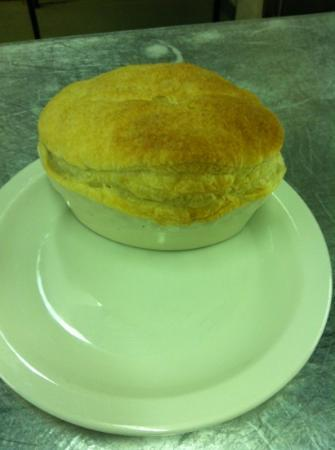 The Poachers Restaurant and Lounge: The size of the poachers home made Steak pie.....