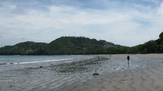 Playa Hermosa: Hills to the north