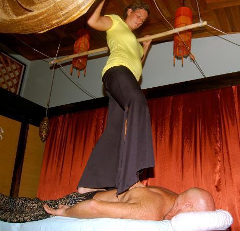Bliss Massage Center : Ashiatsu by Julie
