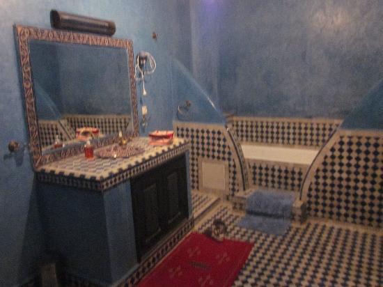 riad losra : Baño Habitación Azul