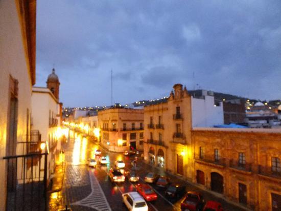 Posada De Los Condes Hotel : Al fondo la torre del templo expiatorio del sagrado corazón y zona histórica.