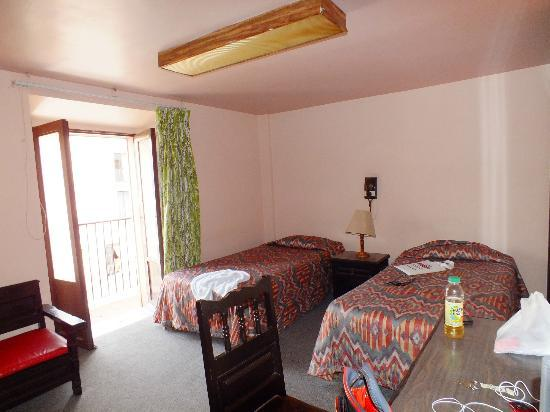 Posada De Los Condes Hotel : Room.