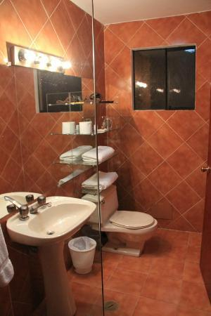 Peru Star Apartments Hotel: Bathroom