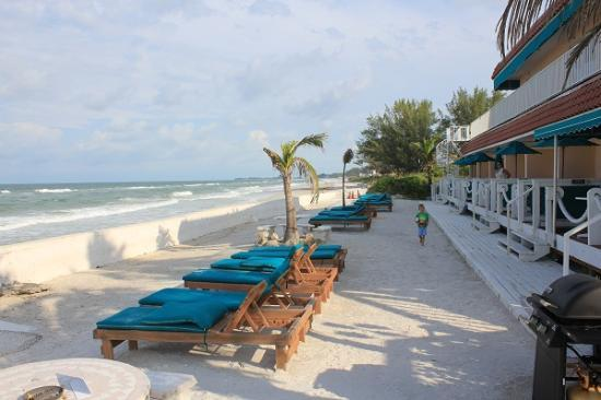 Seaside Beach Resort: Steps from your room.