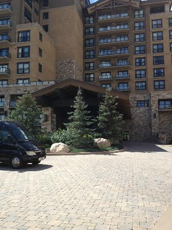 The St. Regis Deer Valley: front of hotel