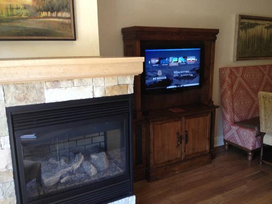 The St. Regis Deer Valley: living room