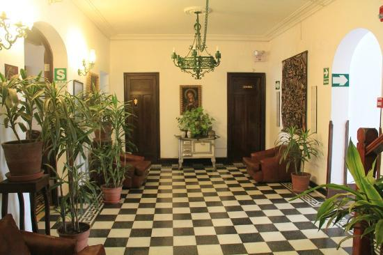 Miraflores Hostal Senorial: Part of common area