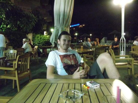 Hotel Don Bigote: My fella chilling outside on our last night