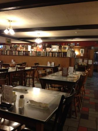 Travelers Food and Books: interior view