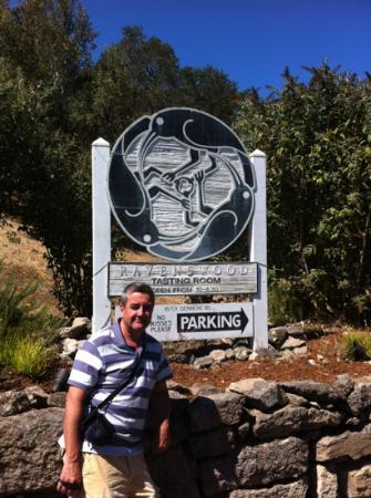 Ravenswood Winery: happy taster :)