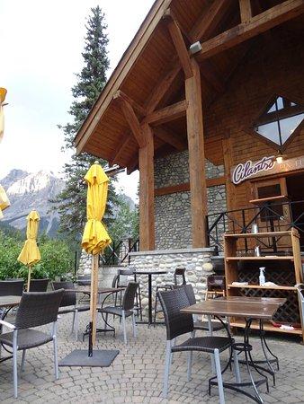 Cilantro On The Lake : patio