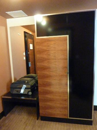 Hotel Grand Majestic Plaza Prague: Closet