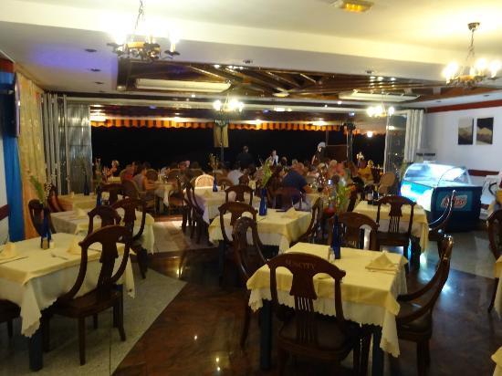 Playa Blanca Restaurant: Interior