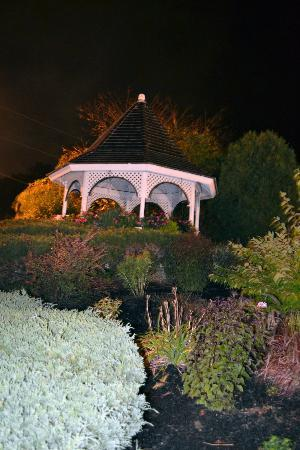 Gazebo Inn Ogunquit: Gazebo