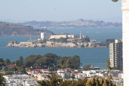 Jackson Court San Francisco: View of Alcatraz from Pacific Heights