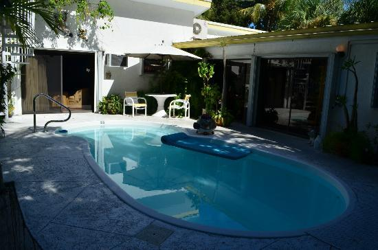 Casa Thorn Bed & Breakfast: Pool courtyard
