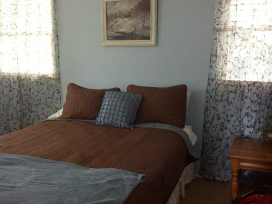 Inn Der Bach Resort: newly updated nedroom