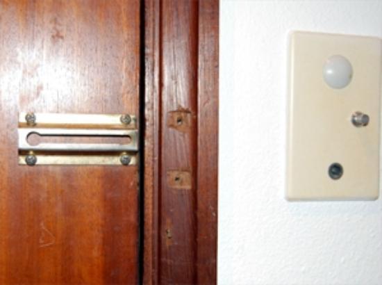 Albergaria Valbom: A door