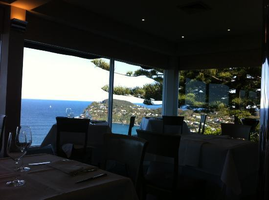 Jonah's Whale Beach: The view from the windows