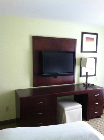 Embassy Suites by Hilton Valencia: desk