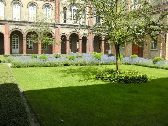 Museum Dr. Guislain: One of the inner courts