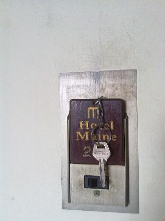 Hotel Maine: pareti sporche in generale.. la pulizia sembra essere un optional