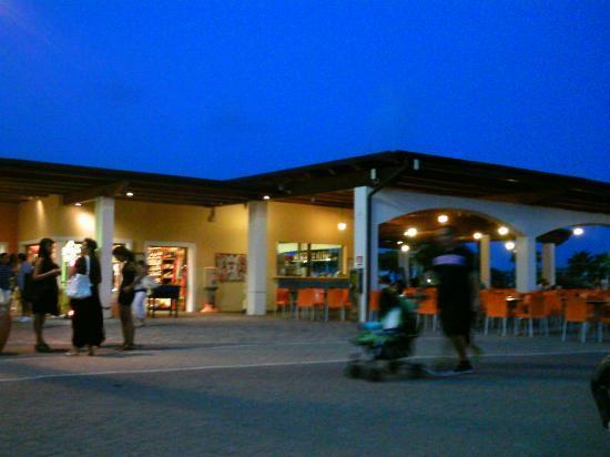Serenusa Village : bar area