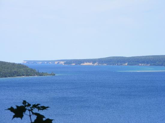 Terrace Motel: A view of Lake Superior in Munsing overlooking Hwy 28