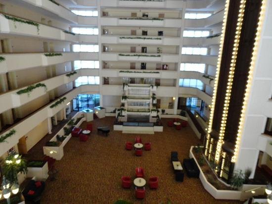 Holiday Inn - The Grand Montana Billings: Lobby