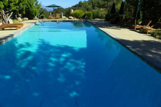 Post Ranch Inn: the biggest guest pool, nobody around!