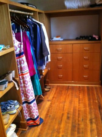Primland: Sparrow East walk-in closet