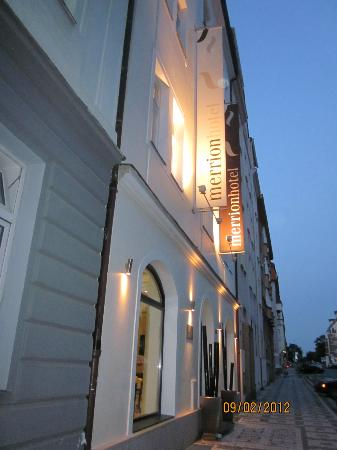 Design Merrion Hotel: Outside view