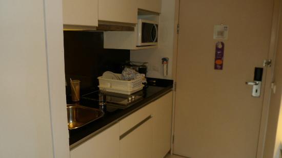 Citadines Sukhumvit 23 Bangkok: kitchenette