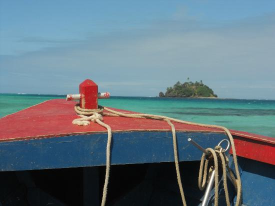 Turtle Island Resort: Boat to Devil's Beach