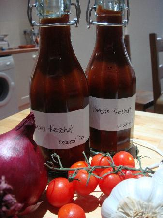 The Moody Cow: Homemade tomato ketchup