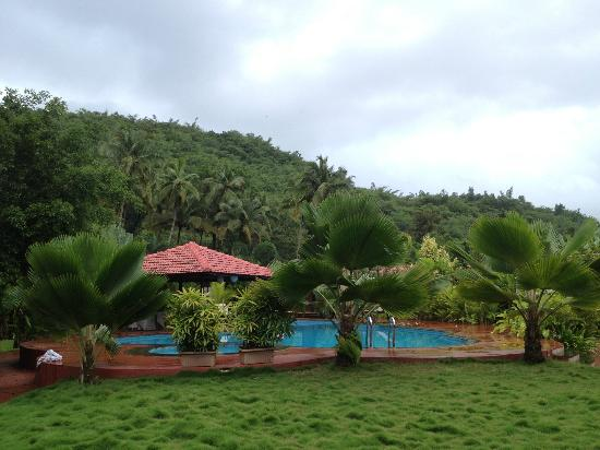The Fern Gardenia Resort: Serene surroundings!