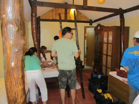 El Puerto Marina Beach Resort & Spa: cramped Dormitory Room