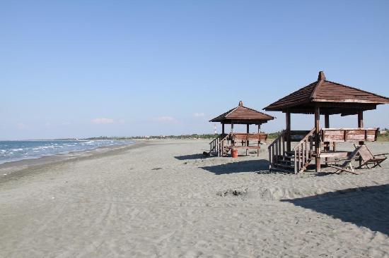 El Puerto Marina Beach Resort & Spa: beach area 1