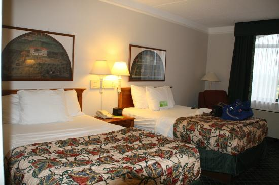 La Quinta Inn & Suites Madison American Center: My standard two Queen-bed room