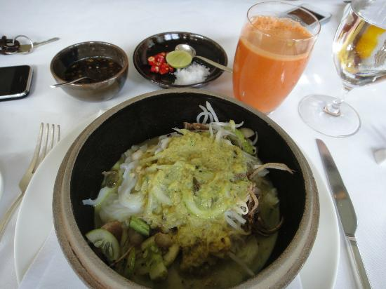 Amansara: Nom banh chok, best breakfast