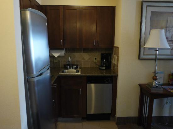 Staybridge Suites Reno Nevada: Kitchenette