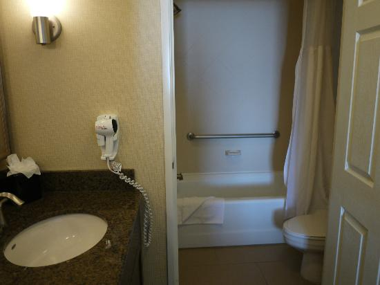 Staybridge Suites Reno Nevada: Bathroom